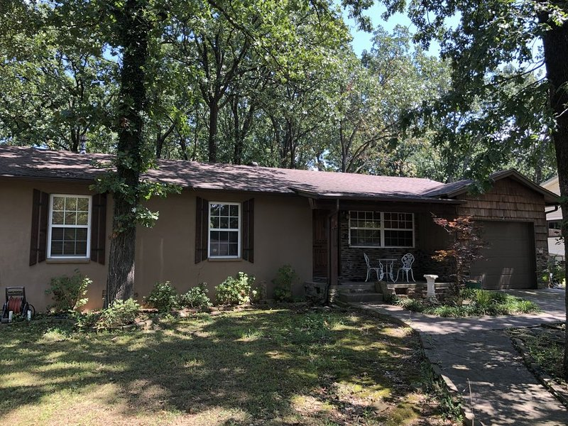 Newly Listed Home in Central Fayetteville, vakantiewoning in Fayetteville