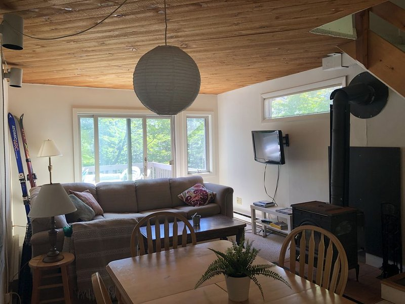 Condo at Sugarbush/Lincoln Peak - Close to the Mountain!, alquiler de vacaciones en Fayston
