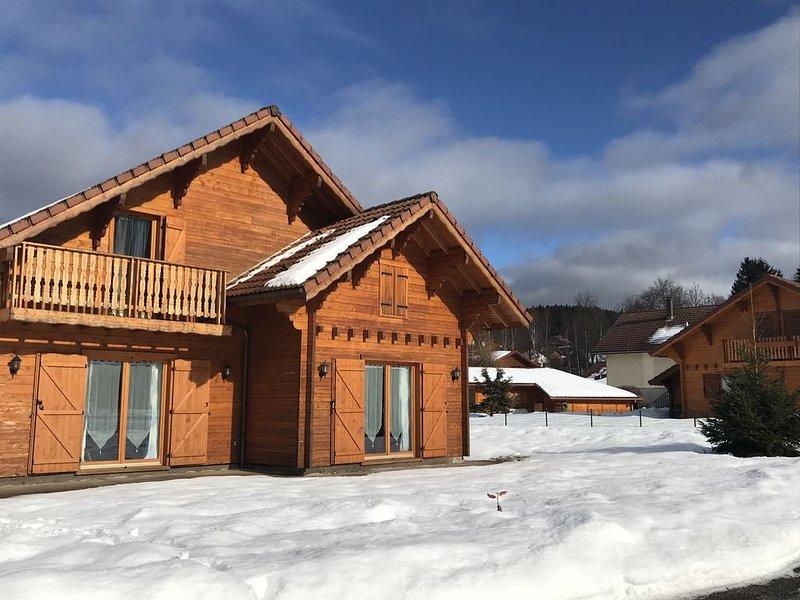 Chalet 10 pers. Sauna, proche lac et Gérardmer, casa vacanza a Xonrupt-Longemer
