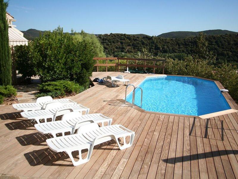 Villa Altea . Charmante villa avec vue panoramique., holiday rental in Vieussan