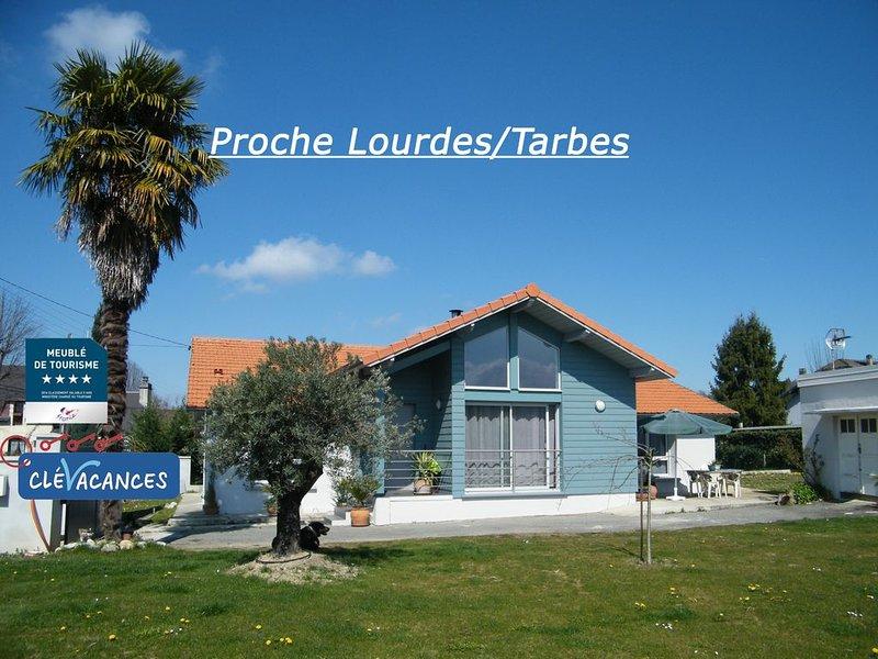 Jolie maison avec grand jardin à 15min de Lourdes, aux pieds des Pyrénées, holiday rental in Tarbes