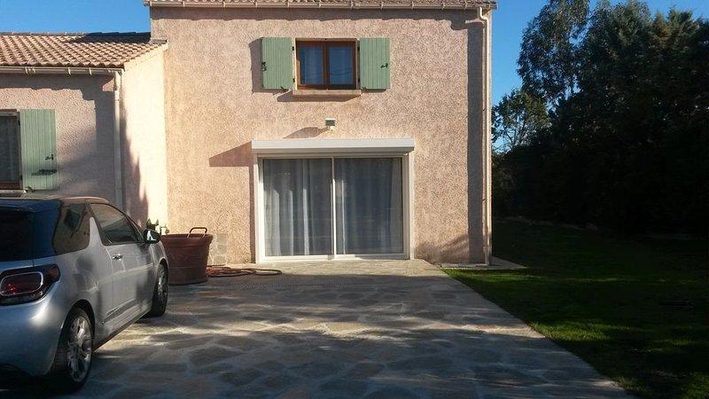 Belle maison calme, confortable avec piscine pour des vacances familiales, location de vacances à Ventiseri