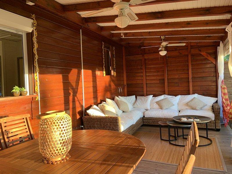 Villa Kanawa, jardin tropical et piscine privée au sel, casa vacanza a Marigot