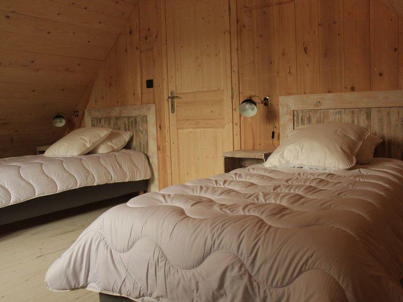 Chalet' la chadeyre 'construction récente, wifi gratuit, chauffage compris, location de vacances à Puy-de-Dome