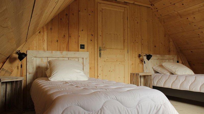 chalet ' le suc ' construction récente, wifi gratuit, chauffage compris, location de vacances à Puy-de-Dome