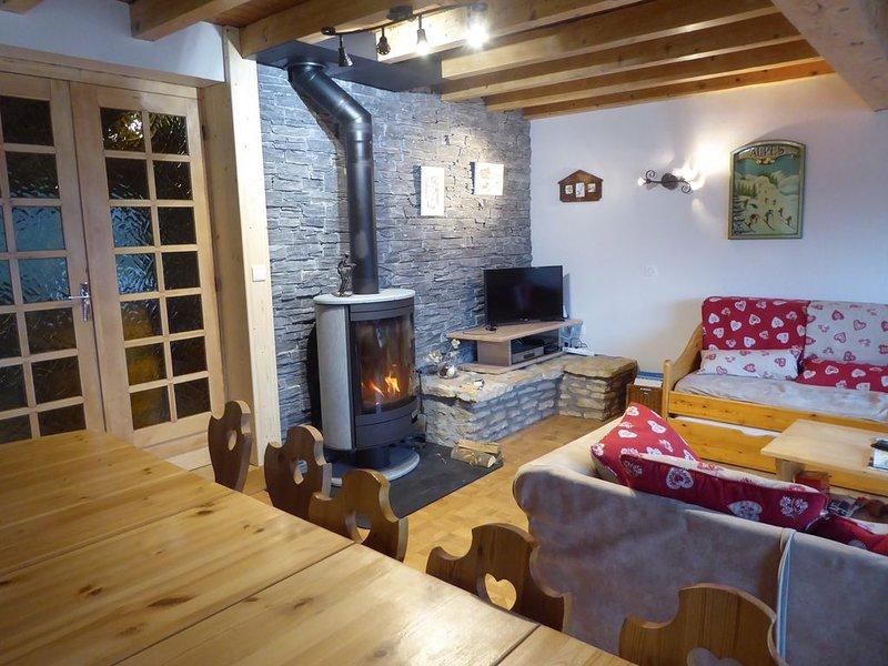 Chalet à Champagny-en-Vanoise - Skiez à Paradiski - Randonnez en Vanoise, holiday rental in Champagny-en-Vanoise