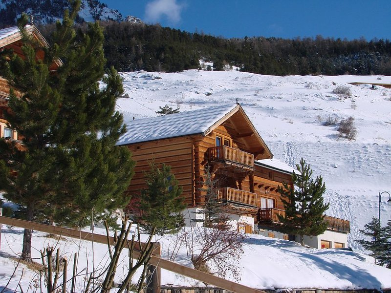 Chalet avec panorama exceptionnel, 12 couchages, Vars Sainte-Catherine, holiday rental in Vars