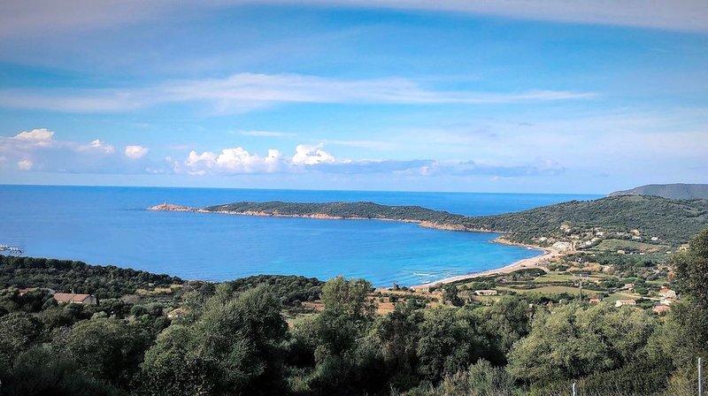 'Puntiglione' - Appartement neuf, climatisation, vue exceptionnelle, location de vacances à Cargese