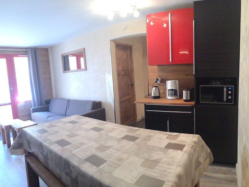 Appartement skis aux pieds, 6-8 pers, 62 m2, Les Coches, La Plagne, Paradiski, vacation rental in Les Coches