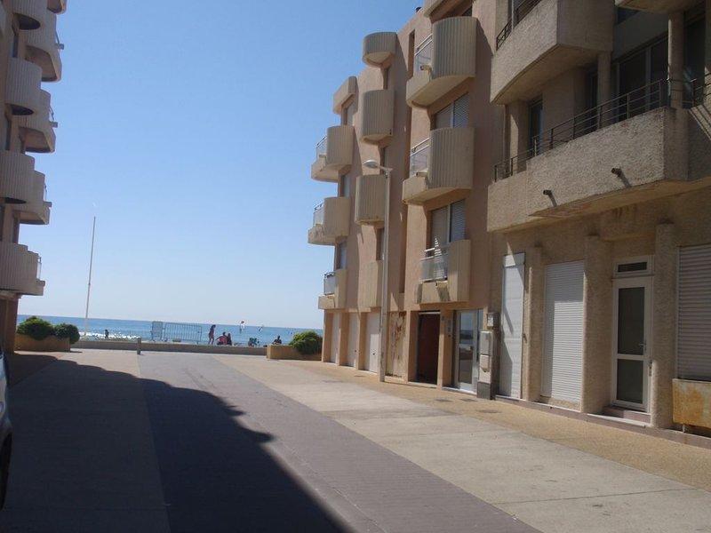 Plage à 20 metres  - Appartement à Palavas Les Flots, alquiler vacacional en Palavas-les-Flots