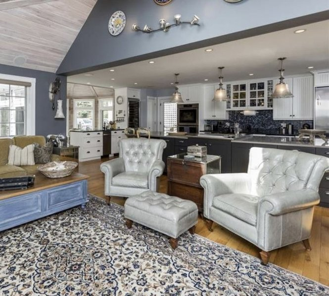 NEW LISTING! Large, fab amenities, sleep 15, walk to village, Pier, Harbor, vacation rental in Kennebunkport