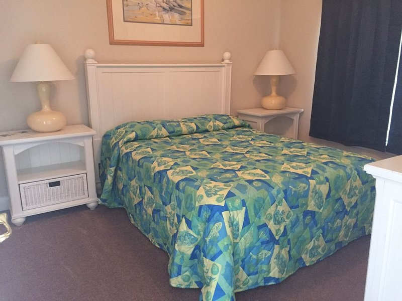 Beautiful 3 Bedroom/ 2 Bathroom updated Murrells Inlet (Myrtle Beach) Condo, location de vacances à Garden City Beach