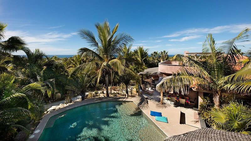 Oceanview estate with pool, 5 min walk to the beach, 10 min from Todos Santos!, holiday rental in Todos Santos