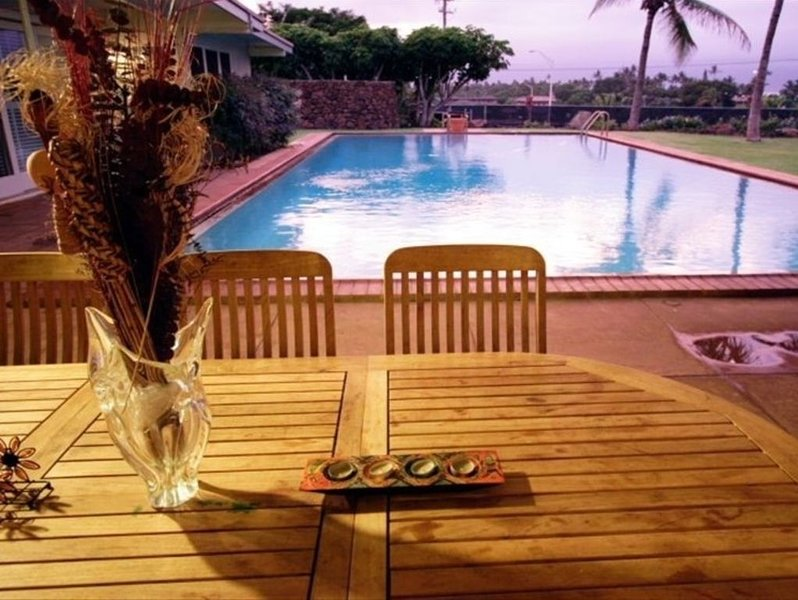 Private Pool & Tennis Court - Views Of Mountains & Ocean, holiday rental in Paia