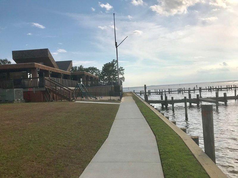 Lake Forest Yacht Club
