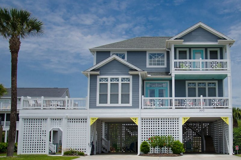 Most Beautiful Edisto 2nd Row Home with Gorgeous Views, aluguéis de temporada em Edisto Beach