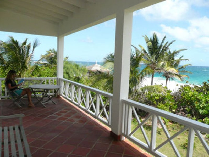 Ocean front condo ST. KITTS - Frigate Bay - steps to beach -  ideal location, holiday rental in Frigate Bay