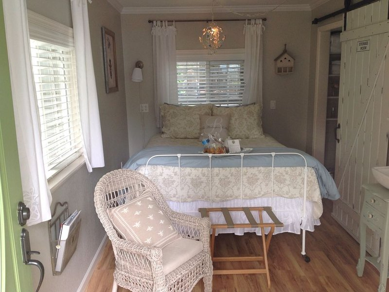 Gig Harbor- Traveling Nurses welcomed Special Rates Applied >Beekeepers Cottage, casa vacanza a Gig Harbor