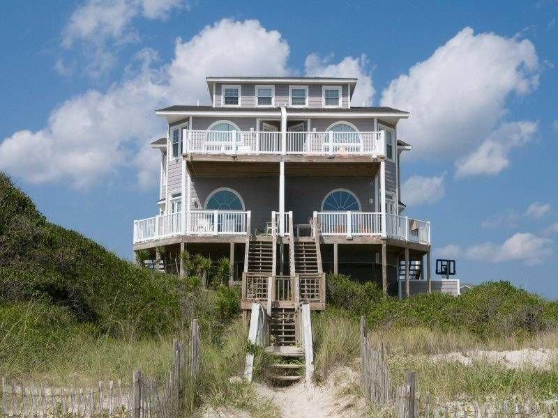 Beautiful Oceanfront Duplex - Perfect for Family Vacations!, alquiler de vacaciones en Emerald Isle