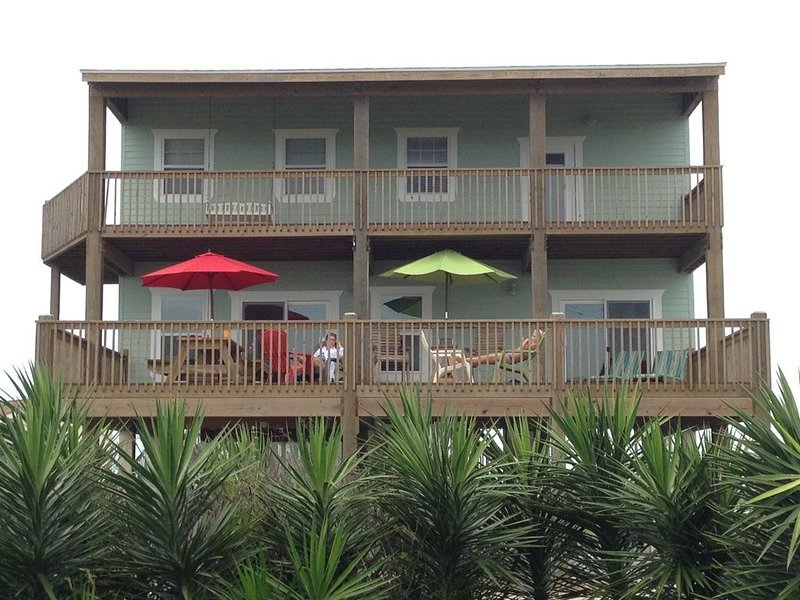 Ocean View Beach House, 2 Story, Spacious , Easy Walk, Close to Beach, Wi, holiday rental in Port Bolivar