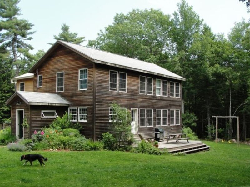 House at Millbrook Falls: Family retreat, sleeps 10. Pets OK., holiday rental in Hulls Cove