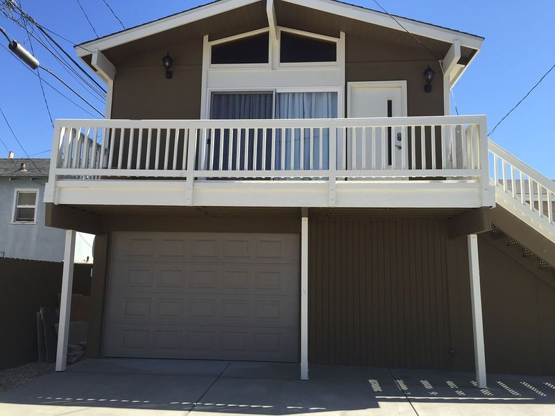 Silver Strand, 1 Block to Channel Islands Harbor and the Pacific Ocean, vacation rental in Oxnard
