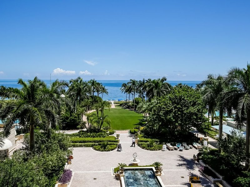 Ritz-Carlton Key Biscayne Gorgeous Oceanfront One Bedroom Suite NEW LISTING, holiday rental in Miami