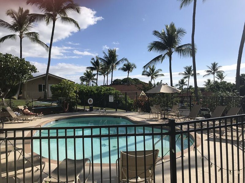 Best Value: Air Conditioned 2/2 on the Golf Course in Kona, holiday rental in Honalo