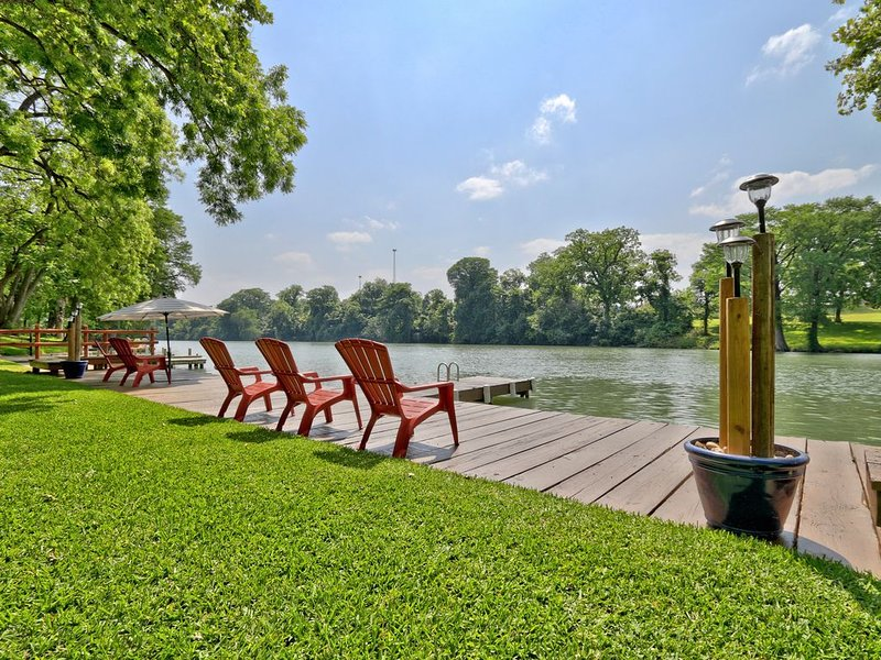 Lake Placid/McQueeny/Guadalupe River Zen on the Bend, holiday rental in Seguin