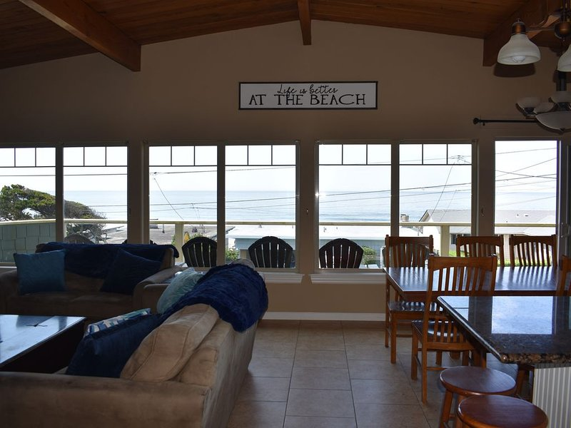 NEW LISTING! Ocean View with Deck & Hot Tub, Close Beach Access, Close to Casino, vacation rental in Neotsu