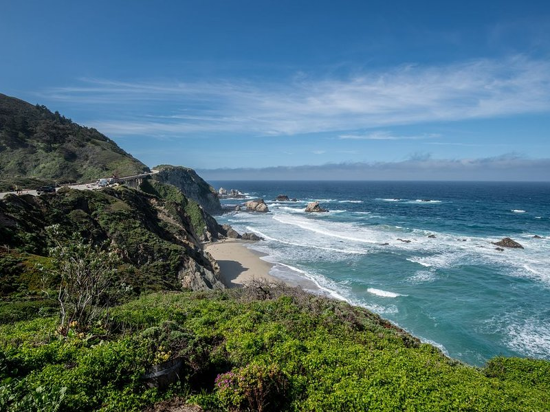 Inspiring Oceanfront Home with Dramatic Coastal Views, holiday rental in Big Sur