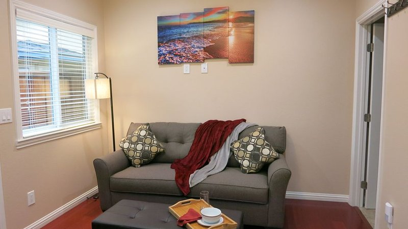 High end 1BR/1BA Attached House in the Heart of Silicon Valley, Non-Smokers only, location de vacances à Campbell
