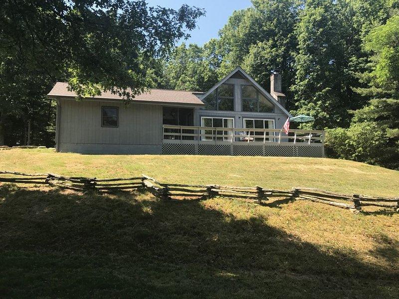 Brevard /DuPont/ Sunny Acres, aluguéis de temporada em Brevard