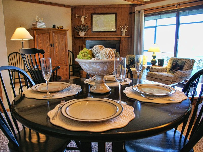 Beautiful & Clean 2 Bedroom Mille Lacs Rental at Izatys - Contactless Check-in, holiday rental in Vineland