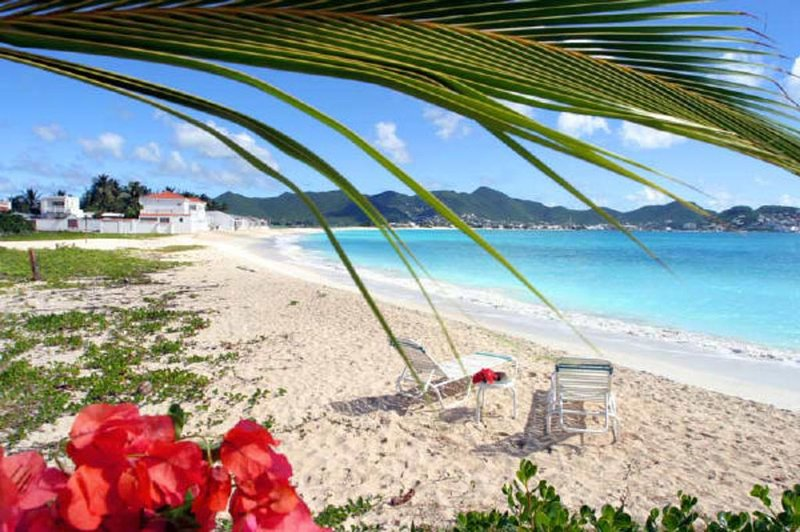 White Sands Retreat - Beachside at Beacon Hill, holiday rental in Maho