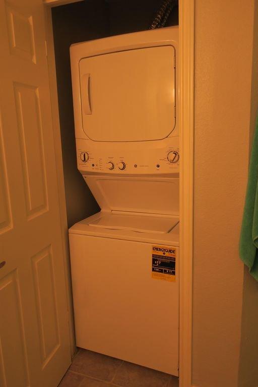 Stapelbar tvättmaskin / torktumlare i enhet