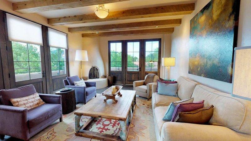 The Lincoln 402, 2 Bed / 2.5 Bath, Luxury Condo  Just 1 Block to The PLAZA! Luxu, alquiler de vacaciones en Sierra County