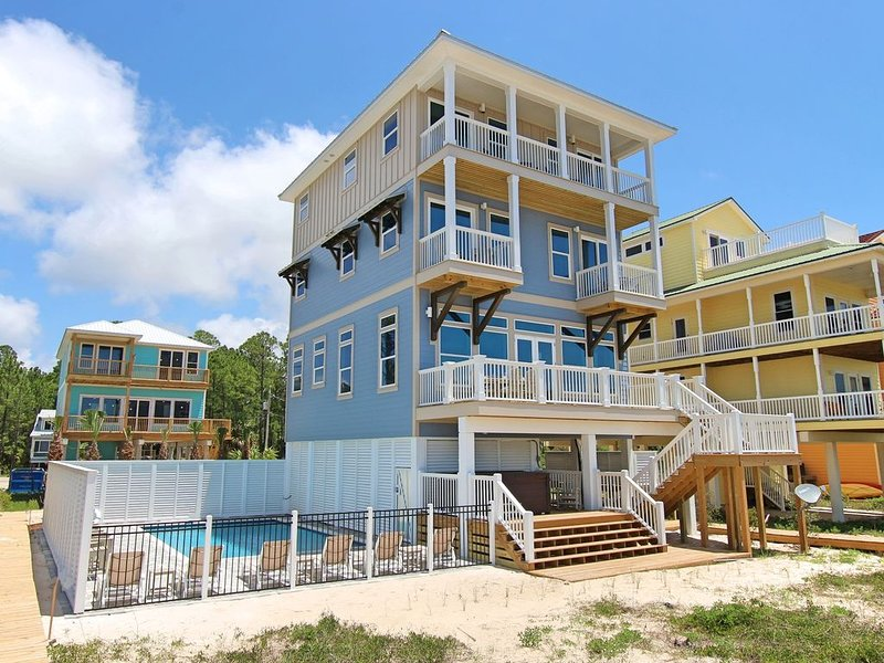 Gulf-front, private pool, elevator, hot tub, alquiler de vacaciones en Cape San Blas