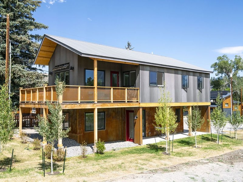 Brand New Custom-Built Home - Located in the Heart Ridgway, holiday rental in Ridgway