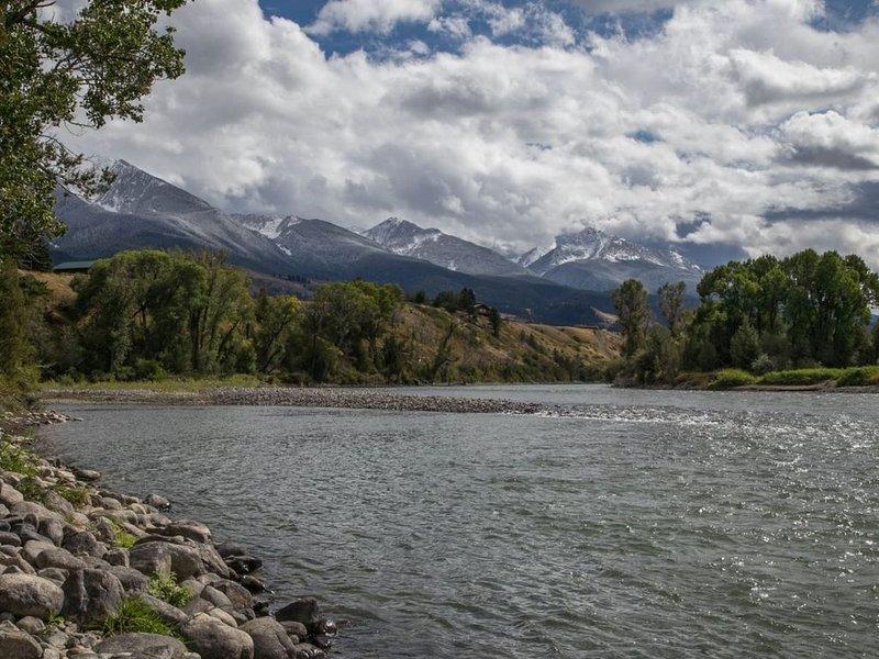 PV/Livingston - Yellowstone Pines, location de vacances à Prier