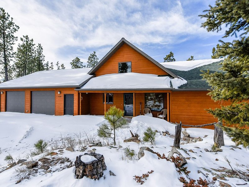Spacious Property Near Deer Mountain and Snowmobile/ATV Trails!, holiday rental in Lead