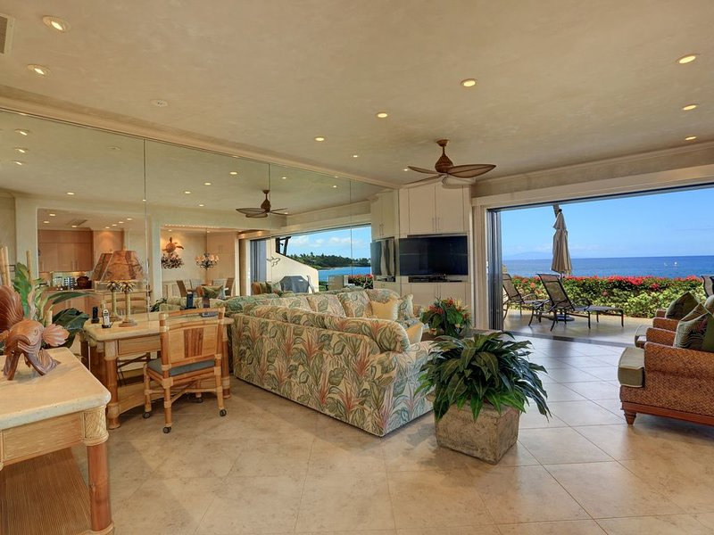 Upgraded Unit w/ Beautiful Ocean Views - Makena Surf F-107, aluguéis de temporada em Makena