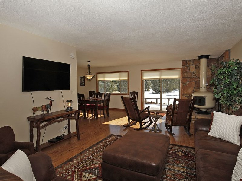 Lovely Ranch-Style Home - On Log Hill Mesa - Mountain Views, holiday rental in Ridgway