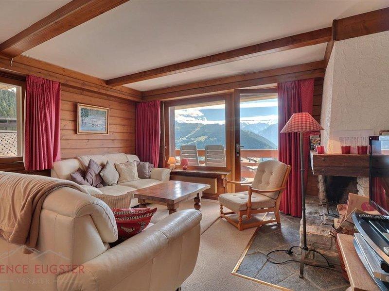 Bel appartement de 4 pièces idéalement situé au 2ème étage d'un immeuble, au dép, holiday rental in Bagnes