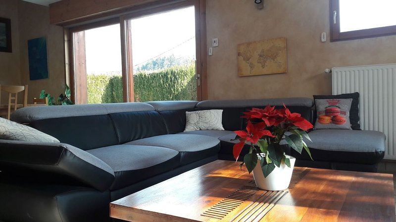 SWEET HOME  ENTRE LAC D'ANNECY ET MONTAGNES, holiday rental in Doussard