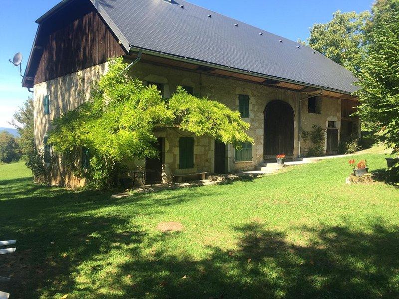 Authentique ferme savoyarde du 19ème - Bauges, casa vacanza a Montcel
