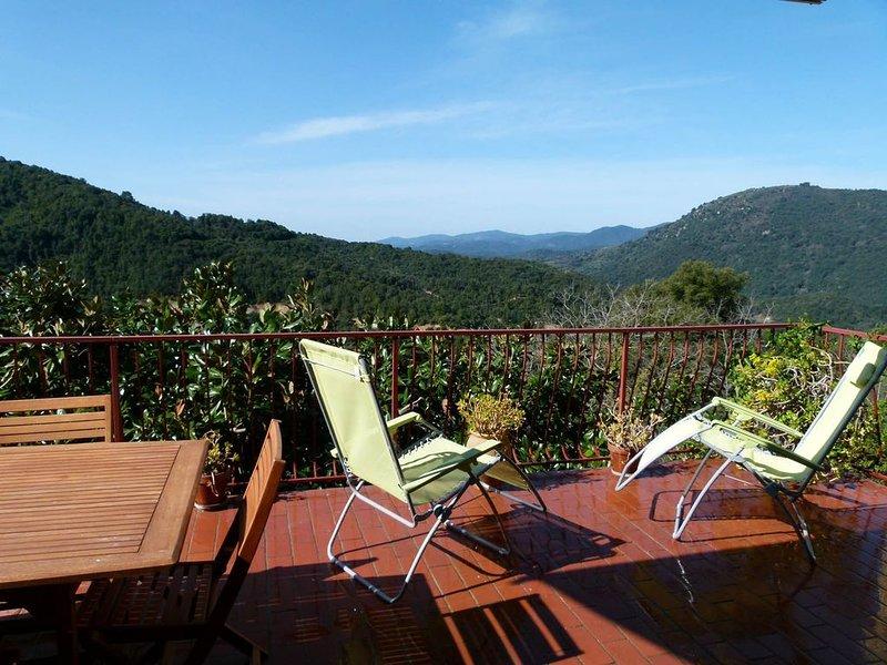Maison a Olivèse, Corse du sud. 8 pers. terrasse vue panorama vallée Taravo, vacation rental in Petreto-Bicchisano