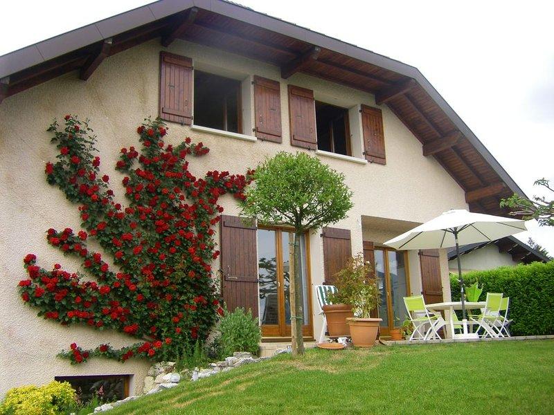 Belle maison à louer au calme près d'Annecy, location de vacances à Argonay