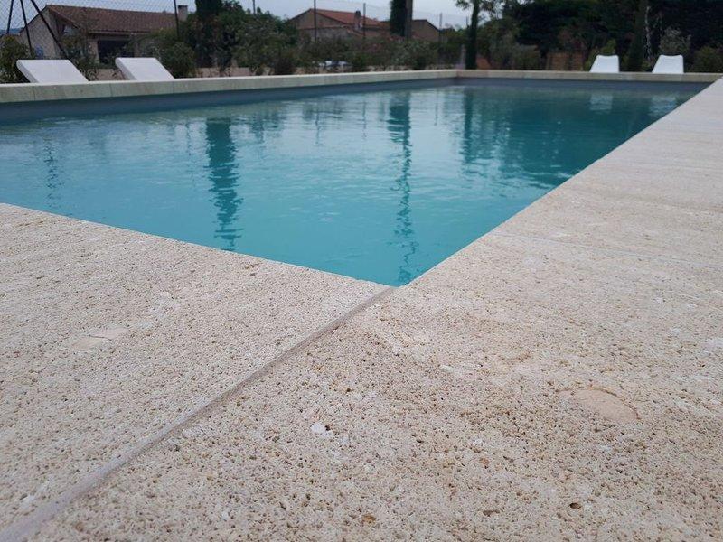 Villa Nita, maison familiale à Robion au pied du Luberon, holiday rental in Coustellet