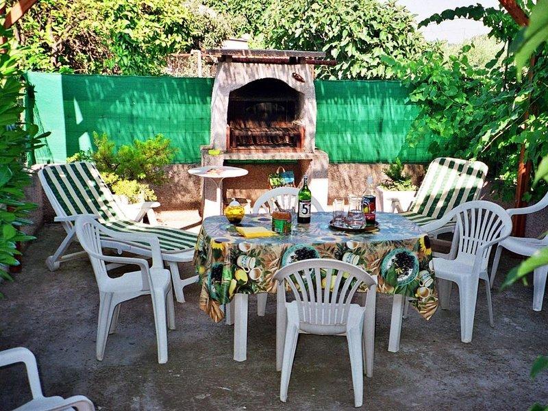 Pour des vacances au calme entre mer et montagne, entre agrumes et oliviers., location de vacances à Sorbo-Ocagnano